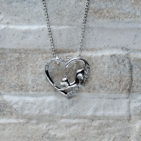 Collana con pendente gatto nel cuore