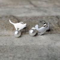 """Orecchini in argento 925 con Perla sintetica """"Gatto sulla perla"""""""