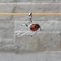 """Pendente """"Gatto con batuffolo di lana"""" in argento 925 con Ambra da Mar Baltico"""