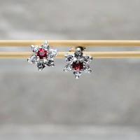 Orecchini a lobo in argento 925 con Zirconi color rubino