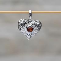"""Pendente """"Cuore"""" in argento 925 e ambra da Mar Baltico"""